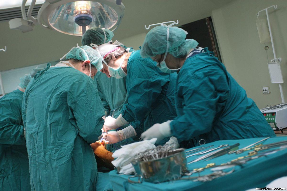 Mladić ostao budan tokom operacije