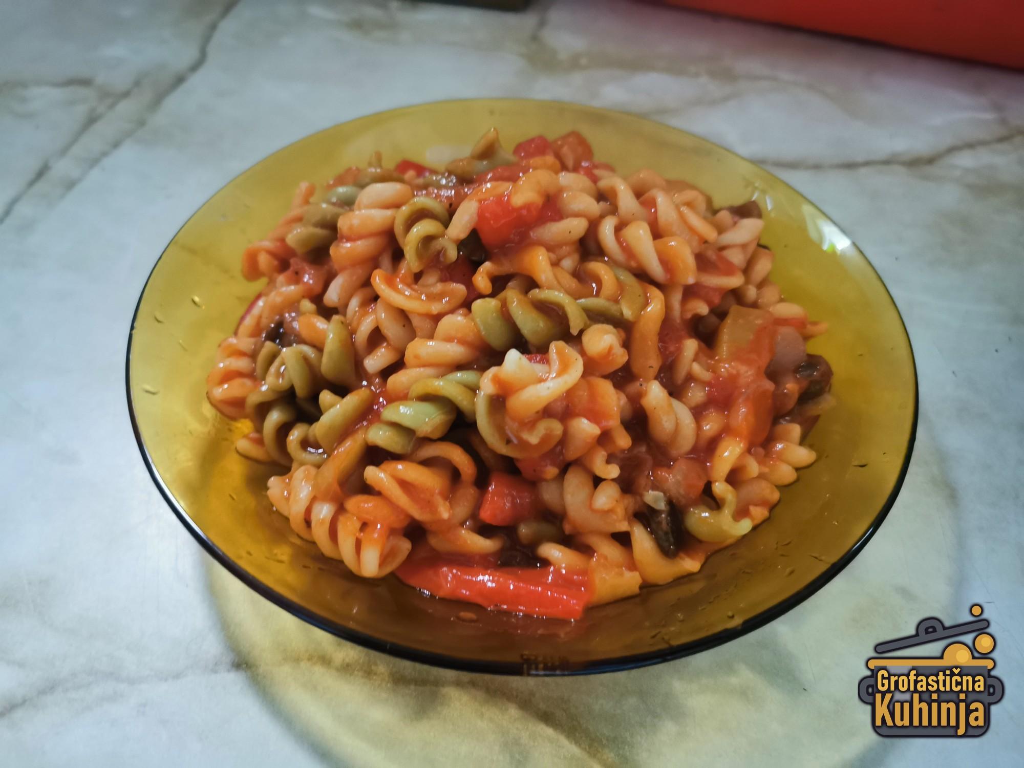 Makarone (ili špagete) sa povrćem u paradajz sosu | VIDEO RECEPT
