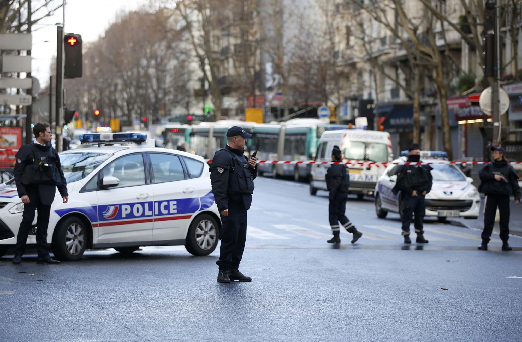 Saša (47) SRBIN U PARIZU: 7 godina držao  telo mrve majke u koferu, evo zbog čega...