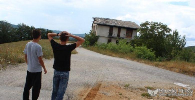 Ekipa Mmedia Mreže je istraživala ukletu kuću u TODOROVU, BiH (VIDEO)